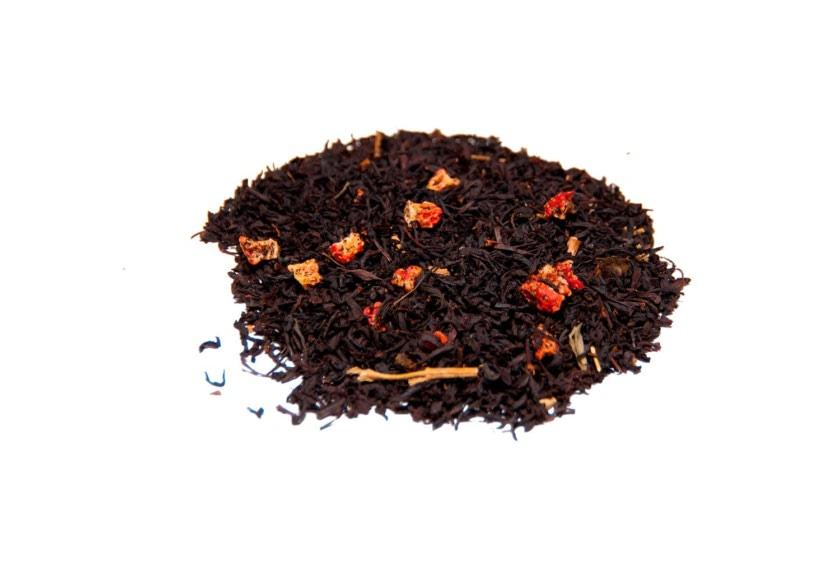 Té de fresas Té negro con trozos de fresa, hojas de fresa