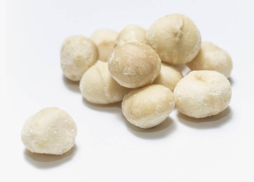 Nueces de macadamia crudas o también llamadas nueces australianas