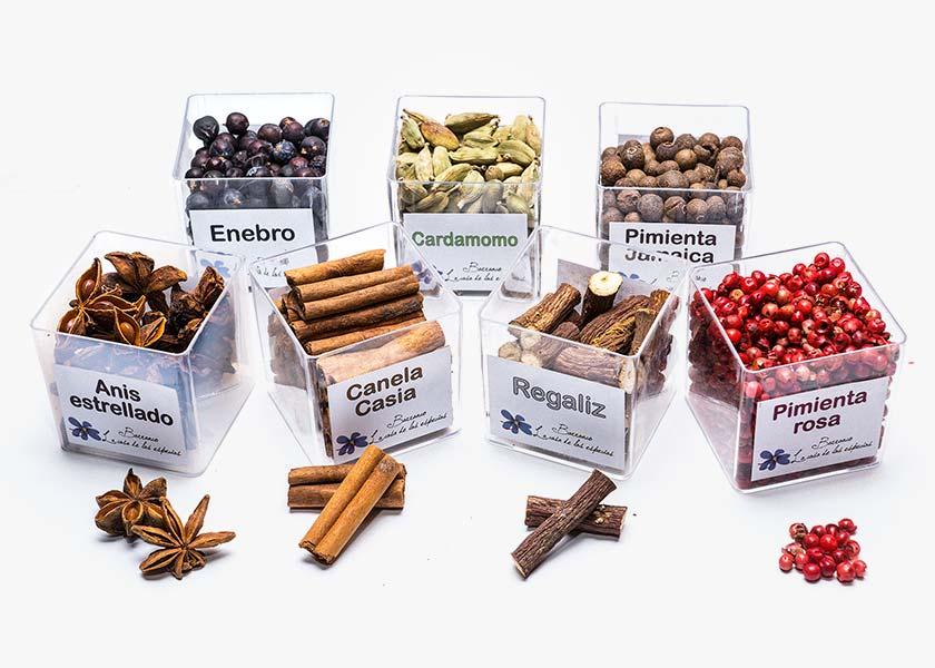 Venta de Cajitas selección de sabores para preparación de Gin Tonic. Anís estrellado, Azahar, Canela casia, Cardamomo, Enebro, Hibisco, Pétalos de rosa, Pimienta Jamaica y rosa, Regaliz