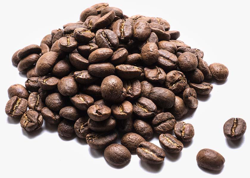 Café Colombiano en grano granos de Café originarios de Colombia, de la región de Huila a 1.100 y 1.200 m. de altura, finca Huila. Variedad: Castillo y Caturra.