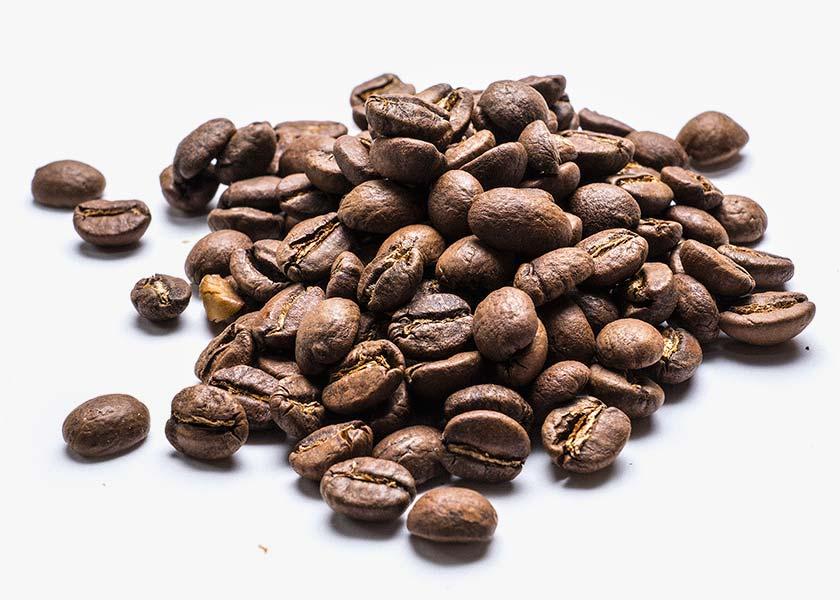Café Kenia en grano Café originario de Kenia, de la región de Nyeri / Kirinyaga a 1.750 m. de altura. Variedad: SL28, SL34 (99%) y Ruiri 11 (1%).