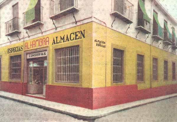 Fotografía coloreada del Almacén de Especias Barranco de 1941.